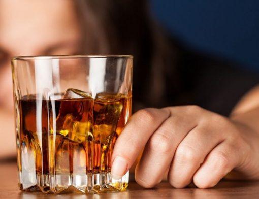 sintomas do alcoolismo