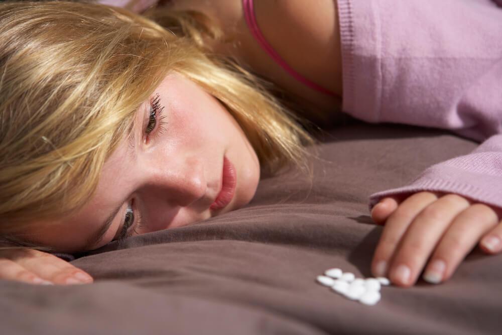 Qual é a relação entre depressão e o uso de drogas?