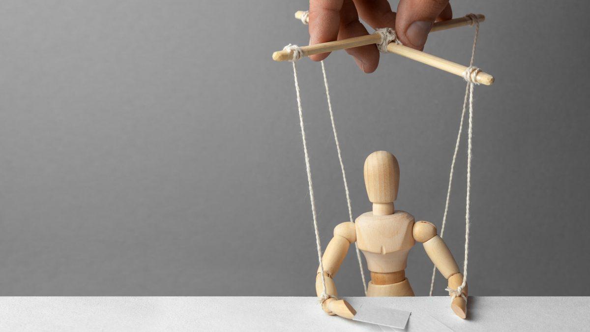 Pessoas manipuladoras: como saber que você está lidando com uma?